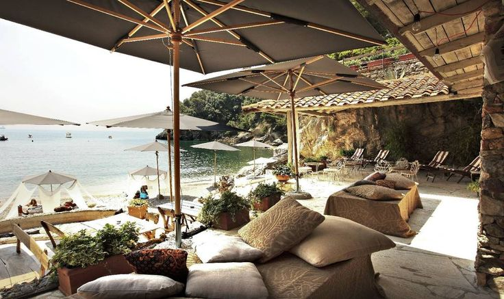Beach Party Venue on the Italian Riviera - Perfect Wedding Italy