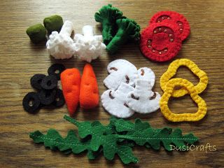 Pretend play felt food - vegetarian pizza by DusiCrafts