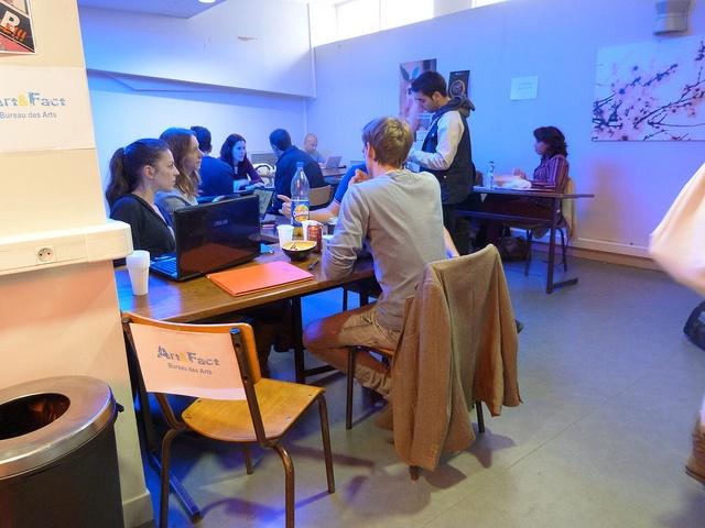 Le bureau des Arts au speed recruting des membres des assos du MBA ESG le 29 octobre 2012