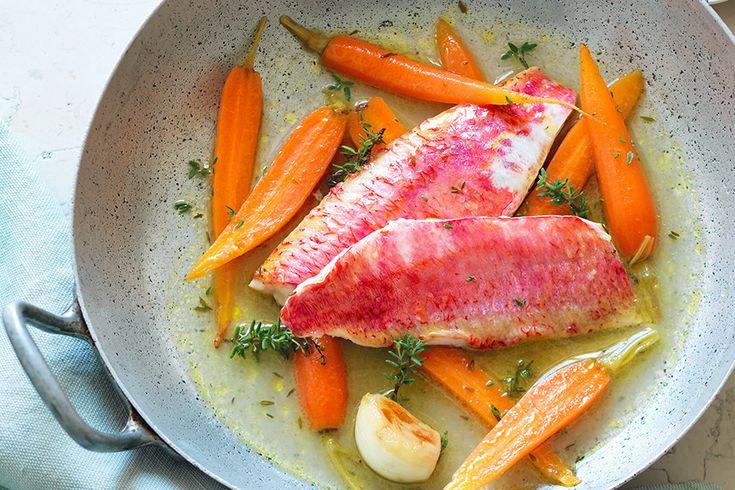 Triglie al vino bianco, carote e timo