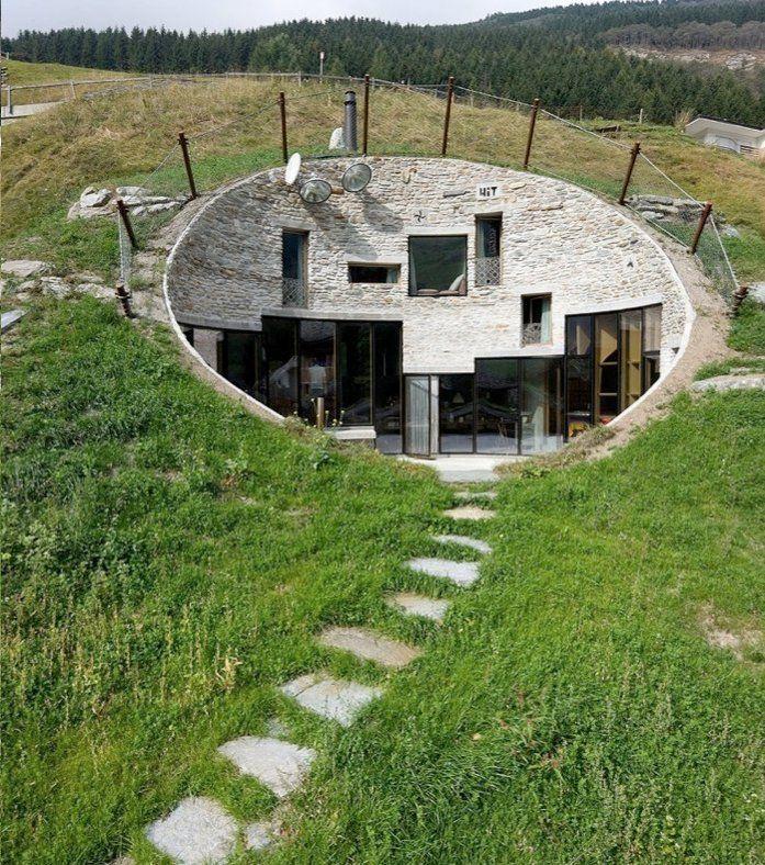 Cette maison originale ressemblant trangement aux for Les habitations dans le monde