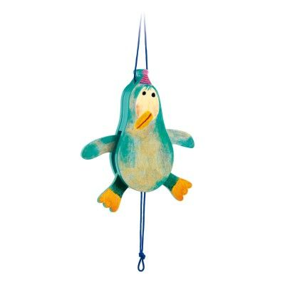Djeco Pantin en bois : Pingouin Jojo - marque : Djeco Pantin en bois : Pingouin Jojo... prix : 9,45 € chez Avenue des Jeux #Djeco #AvenuedesJeux