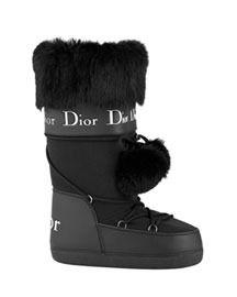 Dior Fur-Trimmed Ski boots.....pleeeaaasseeeeeee! Lets hit the slopes !