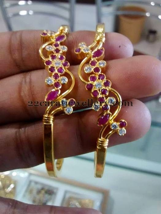Jewellery Designs: Baby Bangels only 6 Grams