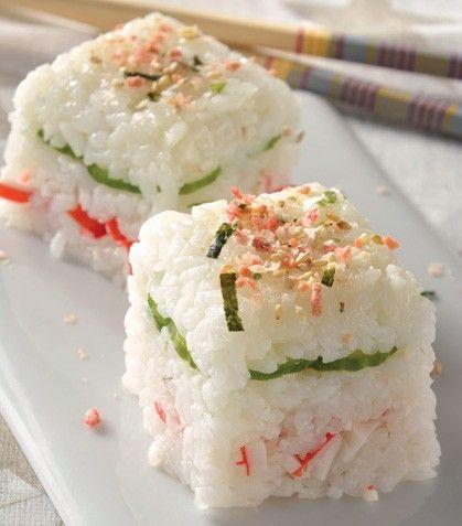 """La receta para hacer un rico """"Pastel de sushi con surimi y queso crema"""""""