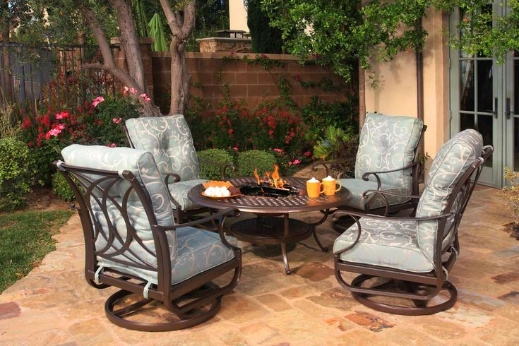 Since 1985 Plants Patio & Things has been supplying Quality outdoor furniture in Napa at competitive prices for both commercial and residential use. Changing with the fashion of the time while insisting on only the finest quality. Offering custom replacement patio cushions, umbrellas and replacement parts. Even on items sold over 30 years ago.