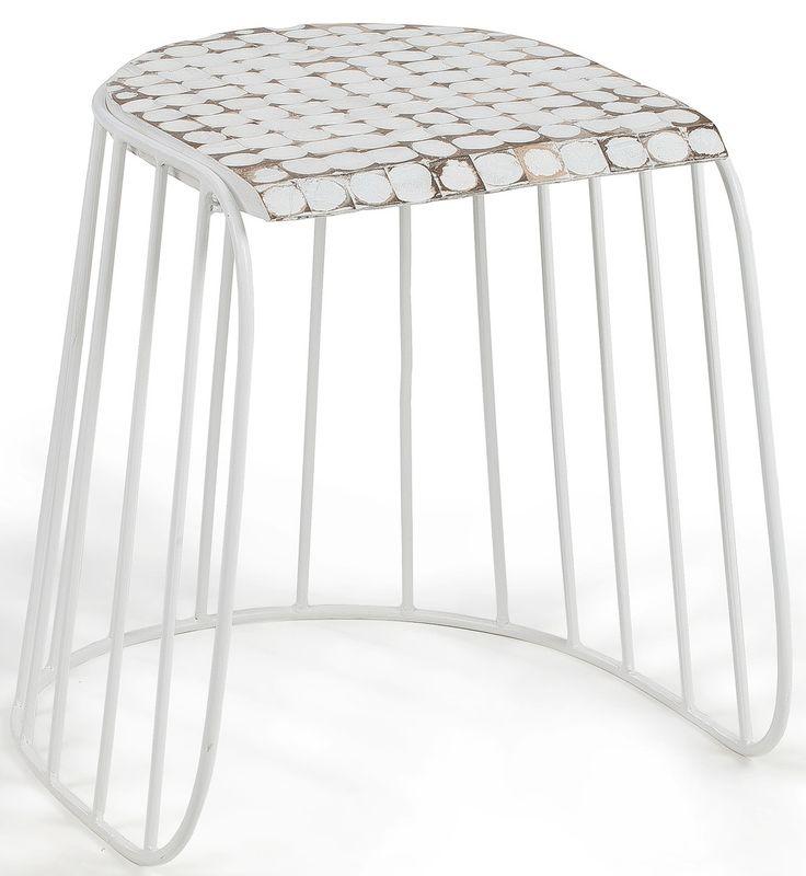 Sgabello basso altezza sedia, elegante e raffinato con la struttura in metallo verniciato bianco e seduta in legno di cocco. Una linea fresca e grintosa. Bello dovunque, versatile, si presta anche per ambienti esterni. Arreda con gusto e bellezza.