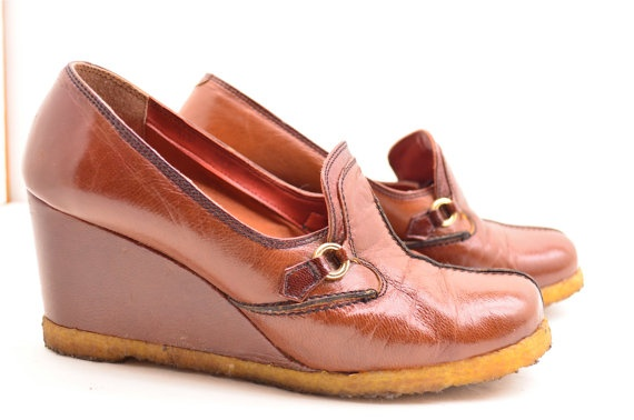 1970s wedges / Vintage loafers / 70s gum sole shoes by melsvanity, $48.00