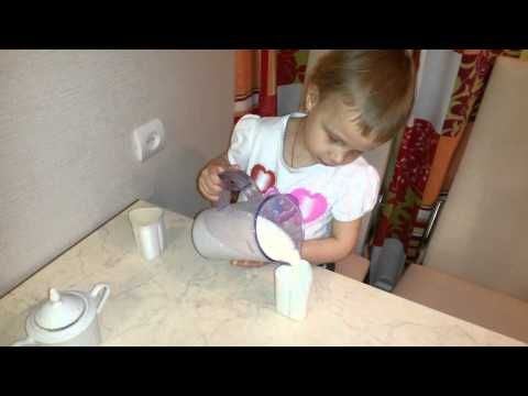 Виолетта готовит йогурт в мультиварке POLARIS yogurt in multivarku - YouTube