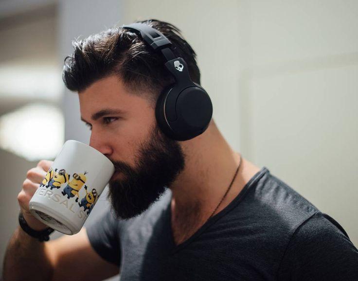 TEMPORADA DE CAZA: Hairy Men, Beard, Tattoo : Foto