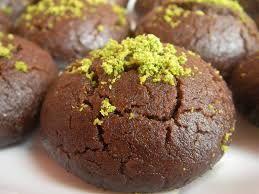 Misafirlerinize farklı bir lezzet sunmak istiyorsanız nefis ve pratik bir kurabiye tarifi Kakaolu Islak Kurabiye ...http://www.mutfaknotlari.com/kakaolu-islak-kurabiye-tarifi.html