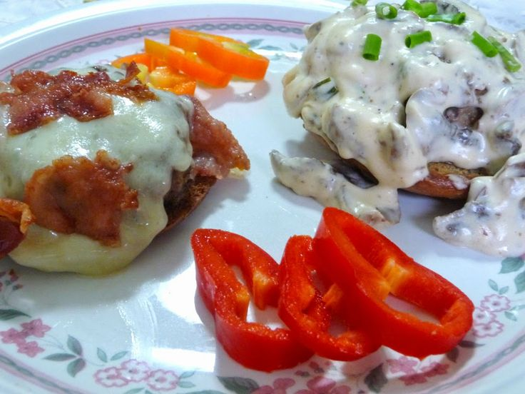 SPLENDID LOW-CARBING BY JENNIFER ELOFF: HAMBURGERS WITH CREAMY MUSHROOM SAUCE