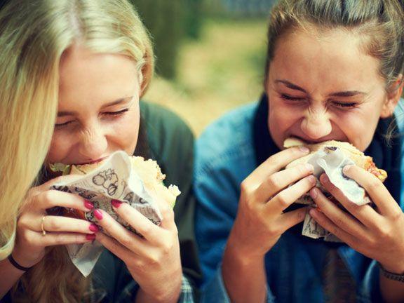 Mit zwei neuen Veggie-Burgern auf Quinoa-Basis wirbt McDonalds um Vegetarier. Wie gesund sind Clubhouse Veggie Burger und McVeggie TS?