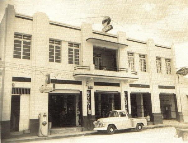 Antiguo edificio donde hoy queda ubicado el restaurante tierra negra foto via @cleoncoronado
