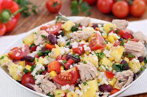 wesoła kuchnia: Sałatka z tuńczykiem ryżem i ananasem