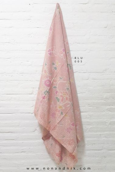 Full Butterfly and Flower Pastel-Inspired Batik Tulis  Length of Fabric : +/- 200 cm  Breadth of Fabric : +/- 110 cm  Material : Cotton