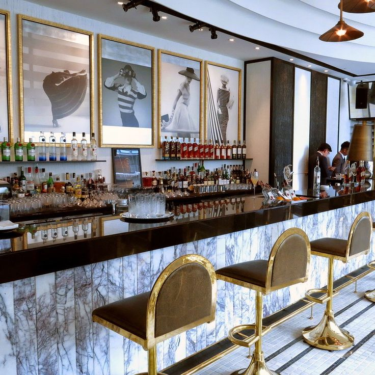 The Vogue Lounge in Bangkok designed by David Collins, is a quintessential example of a balanced environment that recurs to Brass as one of it's principal elements. A smooth shock of classic and contemporary, with plenty of modernist traits, the Vogue lounge plays with brass in terms of shape, texture, and making a successful transition between the setting's light and darker pallet.