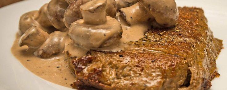 Een voedzame en lekkere maaltijd? Deze mix van champignons, peper seitan en een room van balsamico en cashewnoten is ideaal. Een heerlijke en snelle ovenschotel.