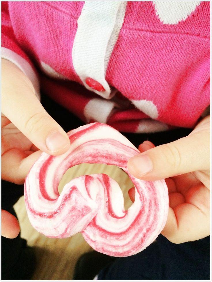 (Valentine meringues)