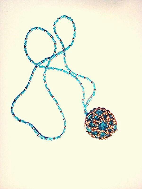 """Další z mé práce- přívěšek """"donut"""" podle předlohy v knize od Jitky Sůsové"""