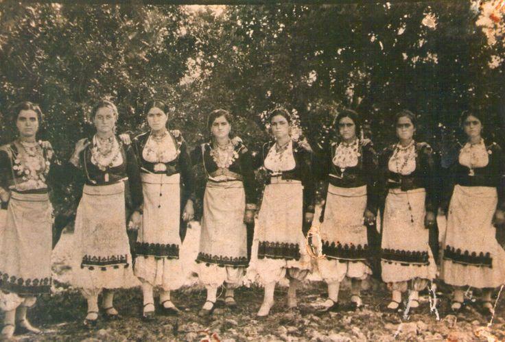 γυναικεια κρητικη φορεσια - Αναζήτηση Google