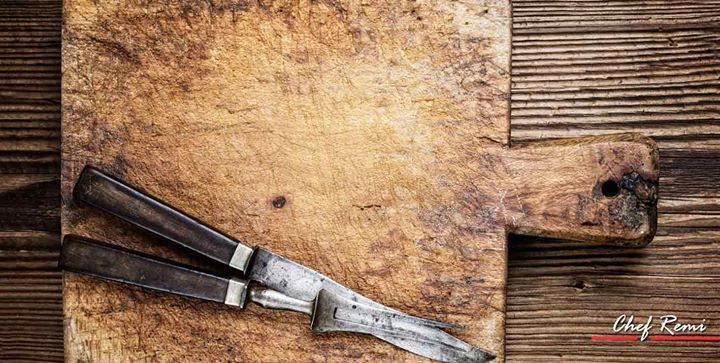 Do you have black stains or spots on your cutting board and you dont know how to get rid of them safely?   Follow our step-by-step guide to a cutting board that looks like new!  http://ift.tt/2sQryyg