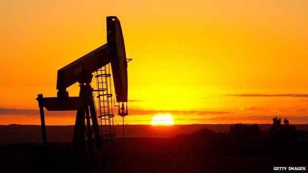 Oil Falls on Estimate U.S. Inventories Rose to Three-Decade High