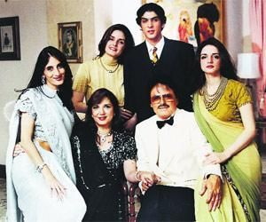 Sanjay Khan, Zeenat Aman: What really happened?
