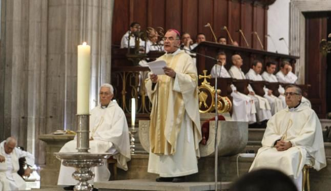 El obispo de Canarias le duele más lo de la drag vestida de virgen que los 154 muertos del accidente de Spanair http://viraladvertising.over-blog.com/2017/03/el-obispo-de-canarias-le-duele-mas-lo-de-la-drag-vestida-de-virgen-que-los-154-muertos-del-accidente-de-spanair.html?utm_source=_ob_share&utm_medium=_ob_twitter&utm_campaign=_ob_sharebar #Obispo #Las_Palmas_de_Gran_Canaria #Drag_queen #Spanair #noticias #actualidad #iglesia