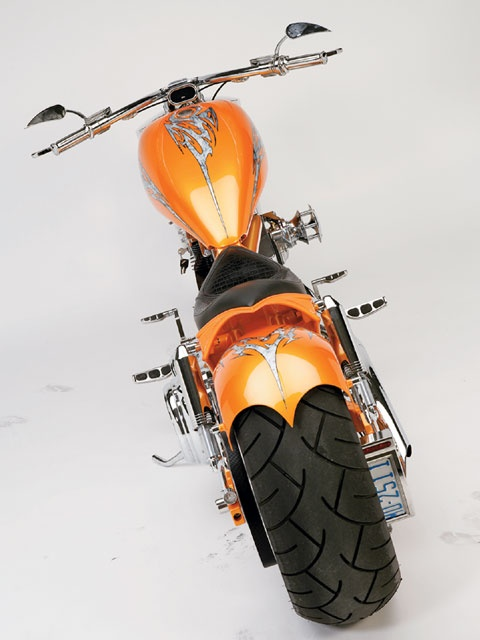 Low rider motorcycle