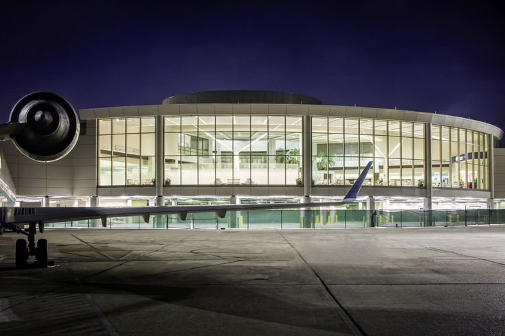 Baton Rouge Metropolitan Airport Extension / WHLC Architecture