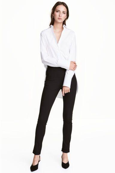 Костюмные брюки Модель