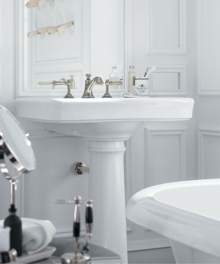 Inspired by early 1900s american design bancroft embodies traditional elegance bathroom for Traditional bathroom fixtures