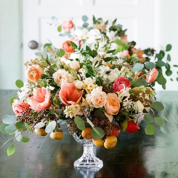 Amaryllis, rose, tweedia, tuberose, privet, persimmon, pomegranate, ranunculus, eucalyptus, nigella, nerine lily, cyrtanthus