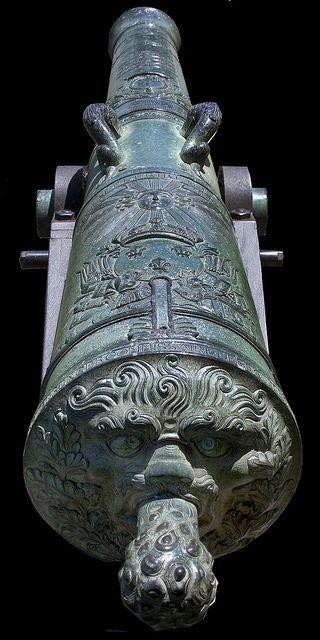 Baroque Cannon. Boom artillery