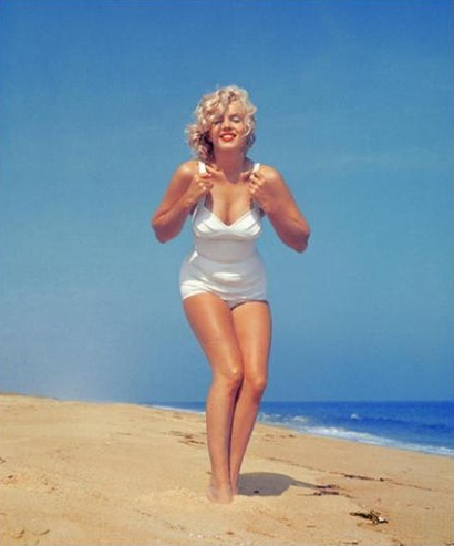 Today celebs are bones...Marilyn had real curves.