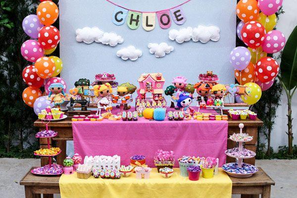A Chloe é completamente apaixonada pelo universo Lalaloopsy - ela tem mais de 30 bonecas! Por isso, o tema do seu aniversário não poderia ser outro! A deco