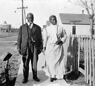 JOE and ALICE SKINNER in QUAKERTOWN, PA.  The first settlement of AFRICAN AMERICAN Families in Denton, PA, occured around,1875.  Twenty seven families moved from Dallas, Texas and settled in Denton.  The settlement was named FREEDMAN TOWN, but by the 1880's, the community was renamed, Quakertown.  (circa 1913)