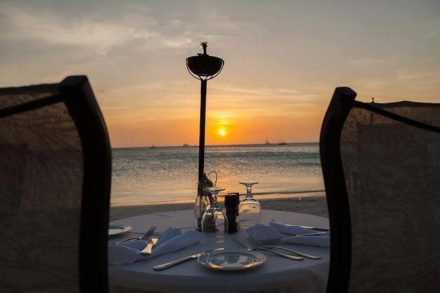 Private beach dining at the Aruba Marriott Resort & Stellaris Casino