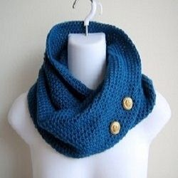 This page is ode to the cowl, otherwise known as the scarf that will never blow off. There are many beautiful cowls that can be made on the Knifty...