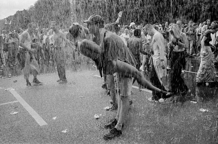Love Parade (12/07/1997). John Vink. Gelatin silver