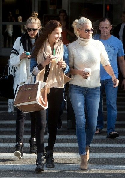 Gigi Hadid - Yolanda H. Foster in LA With Her Daughter