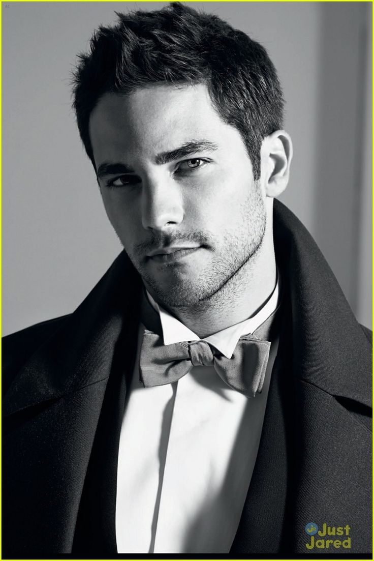 Brant Daugherty..I'll never understand how this face was ...