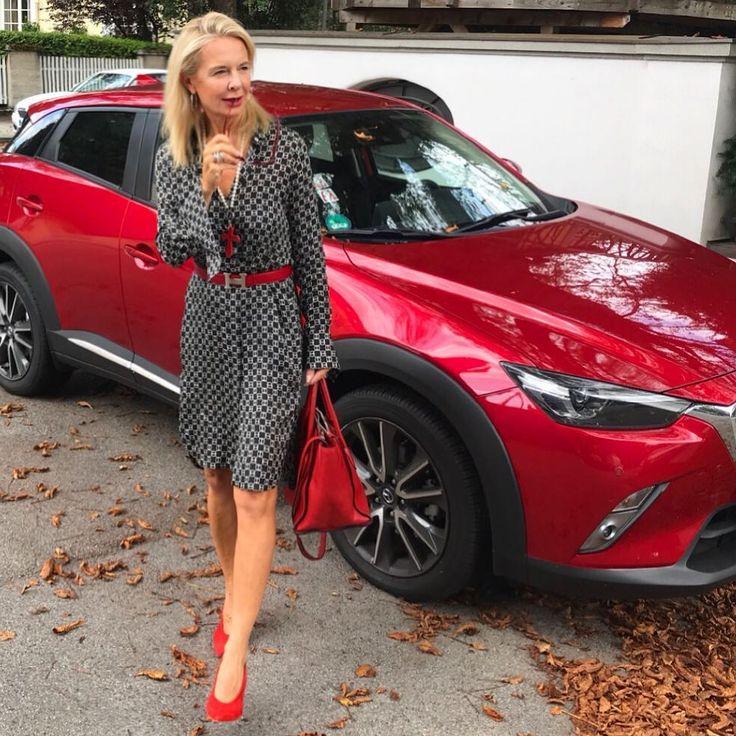 """bibi horst on Instagram: """"Klassisches Hemdblusenkleid rot aufgepimt❤️🖤…"""