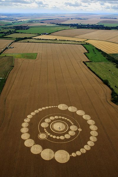 26 July 2011 - Windmill Hill, near Avebury, Wiltshire.Crop Circle. Círculos en los cultivos