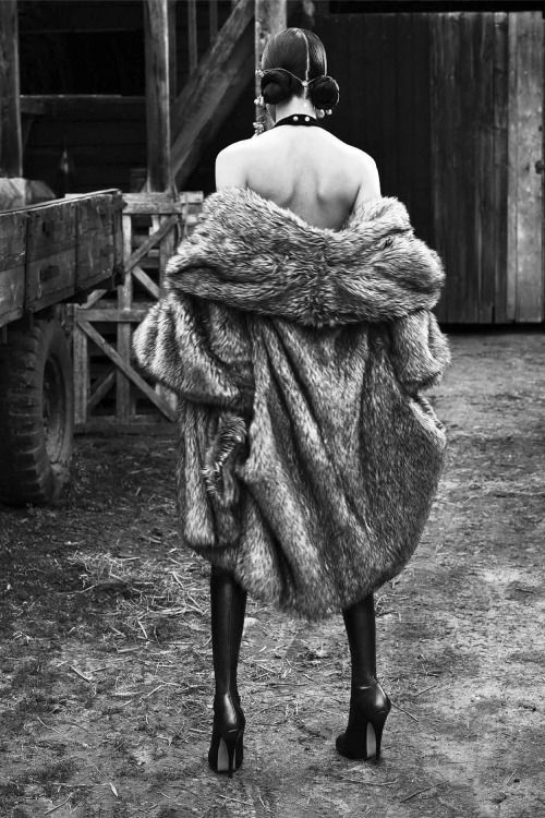senyahearts: Fei Fei Sun by Mert Alas & Marcus Piggott for Vogue Italia, June 2015