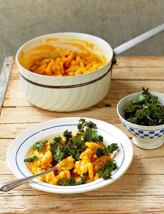 Vegan macaro-no-cheese with crispy kale | Aine Carlin's twist on a classic is a great winter warmer AND it's good for you! What more could you want?!