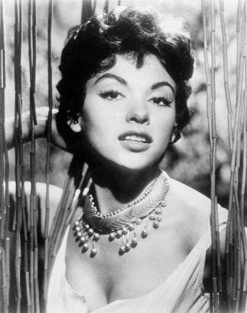 Puerto Rican singer, dancer and actress Rita Moreno in 1958