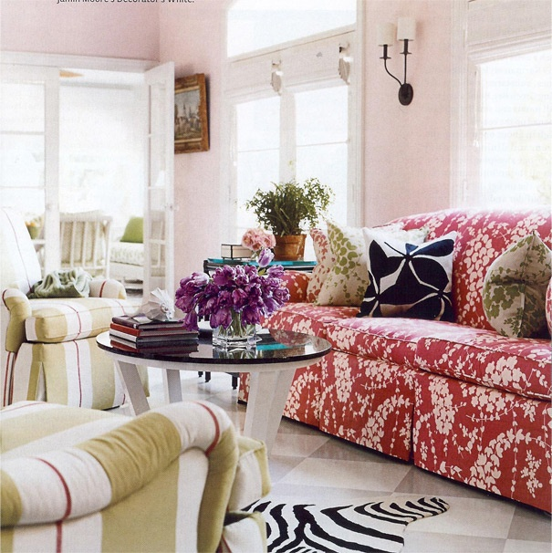Dorothy Draper & Co.: Wall Colors, House Beautiful, Colors Rooms, Mixed Patterns, Colors Home, Pale Pink, Mixed Prints, Pink Living Rooms, Pink Wall