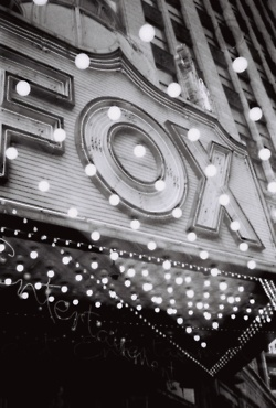 Fox Theater in Detroit. ahh i love old theaters.
